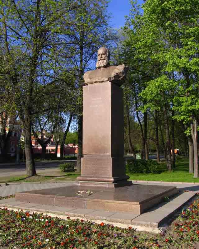 Гранитные памятники в москве Жуковский гранитные мастерские в москве врачу